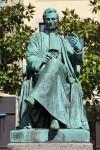 512px-Quimper_-_Statue_de_René-Théophile-Hyacinthe_Laennec.JPG